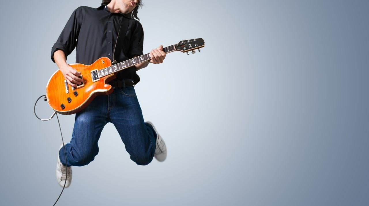 Guitar Teacher Hong Kong and via Skype
