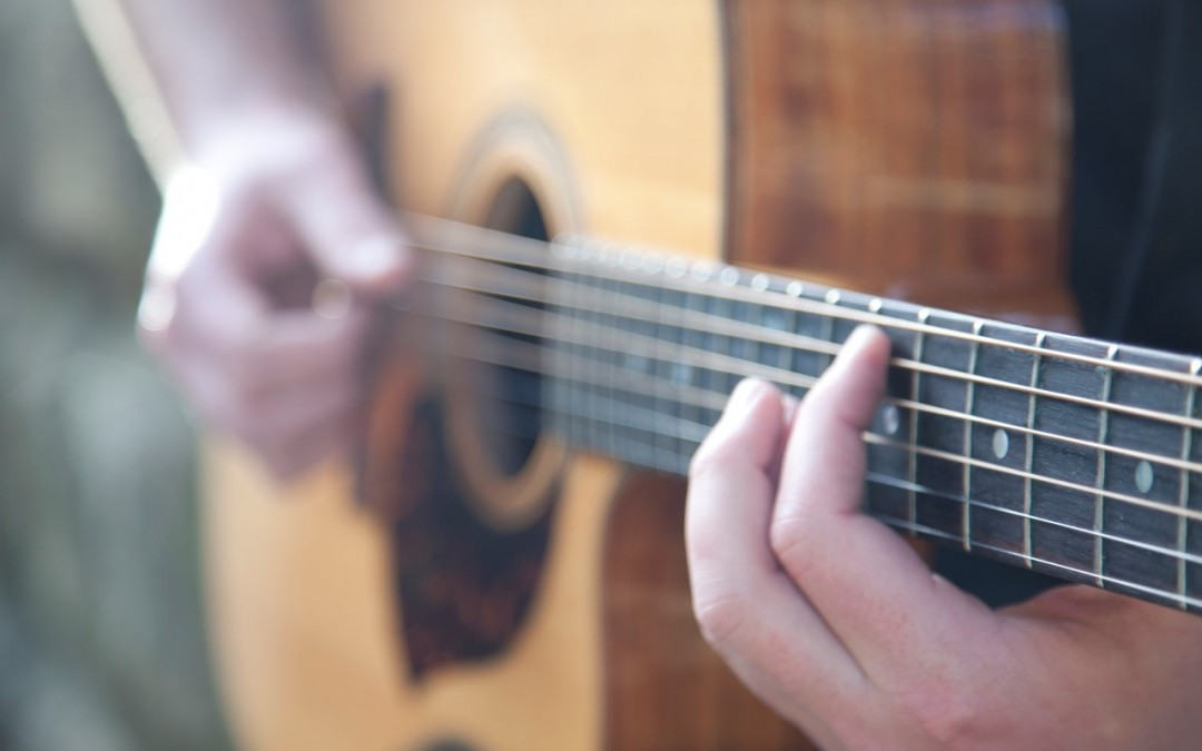 10 reasons why you should learn the guitar!
